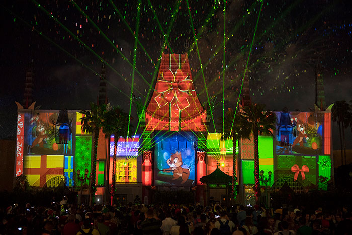 Natal na Disney 2019: Show de fogos no Teatro Chinês do Hollywood Studios chamado de JINGLE BELL, JINGLE BAM.