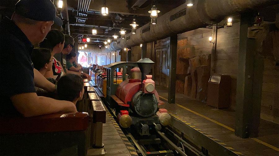 Trenzinho da atração Big Thunder Mountain - Magic Kingdom - Foto: Dicas Úteis Disney