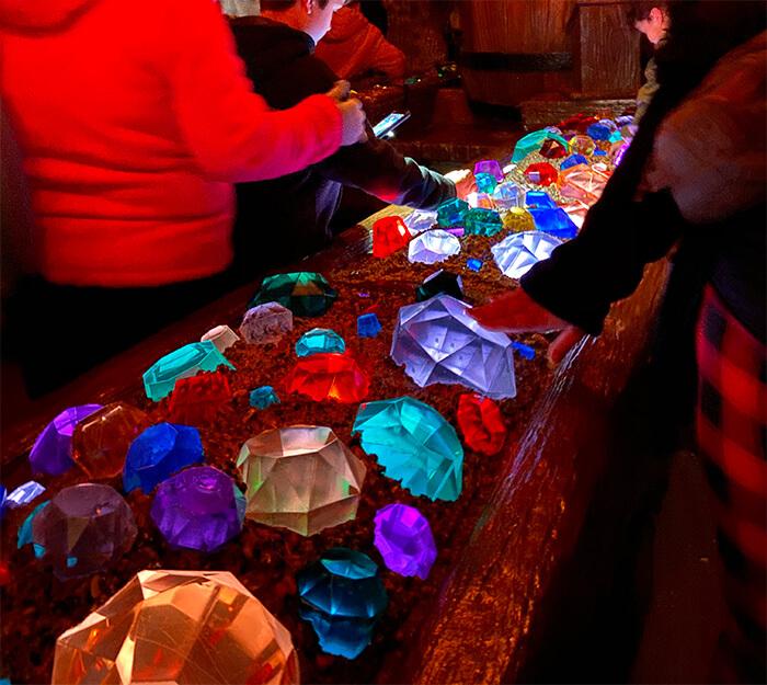 5 melhores atrações do Magic Kingdom. Atração nº1: Fila Seven Dwarfs Mine Train - Magic Kingdom - Foto: Dicas Úteis Disney