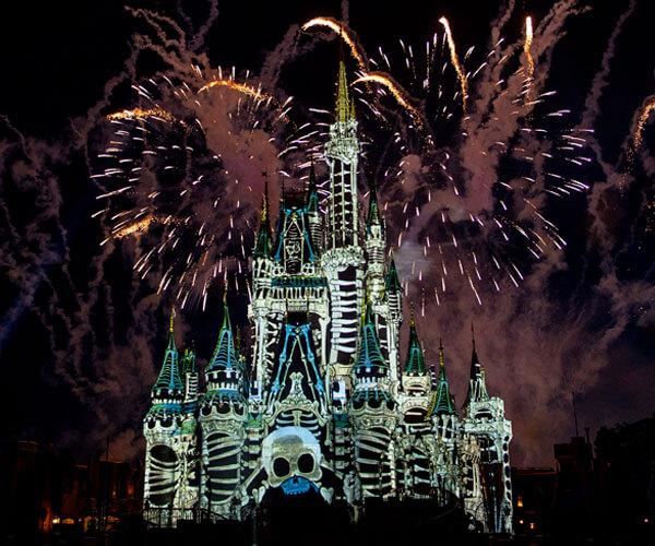 Halloween da Disney Show de Fogos