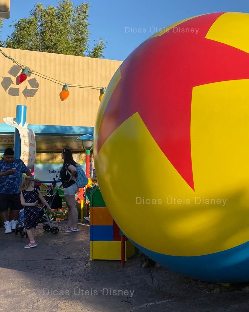 Conheca-Disney-Hollywood-Studios-Bola-Gigante-Adny-Toy-Story