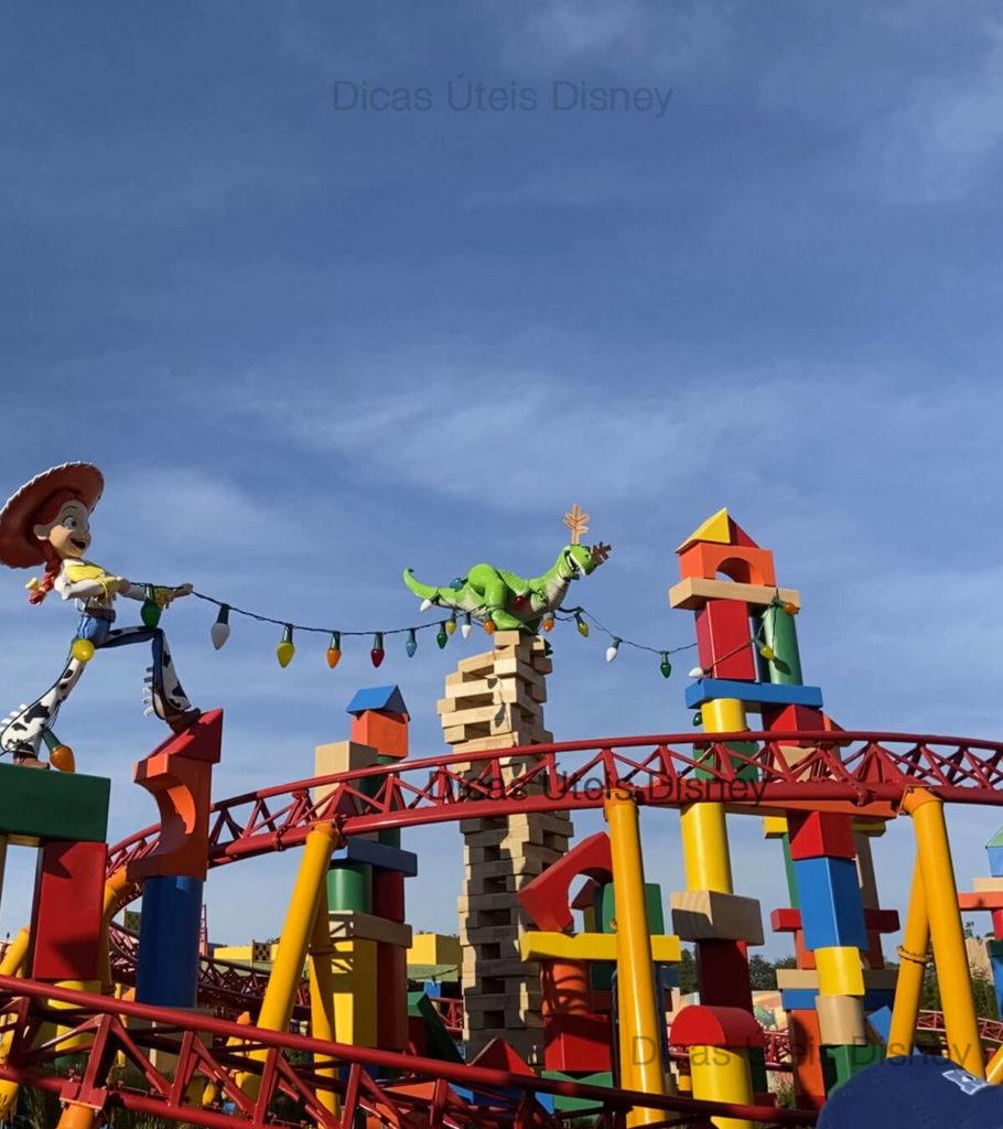 atracoes_mais_concorridas_hollywood_studios-Slinky_Dog_Dash_Toy_Story_0-Dicas_Uteis_Disney