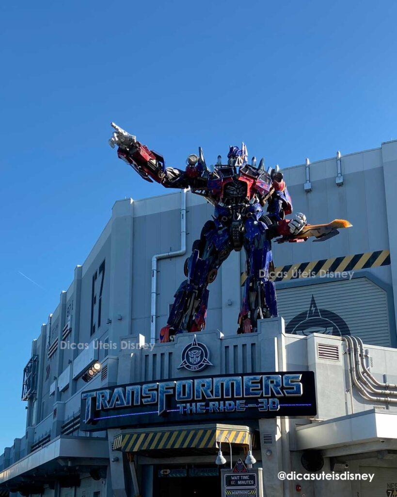 Como é a área Production Central do parque Universal Studios atração transformers