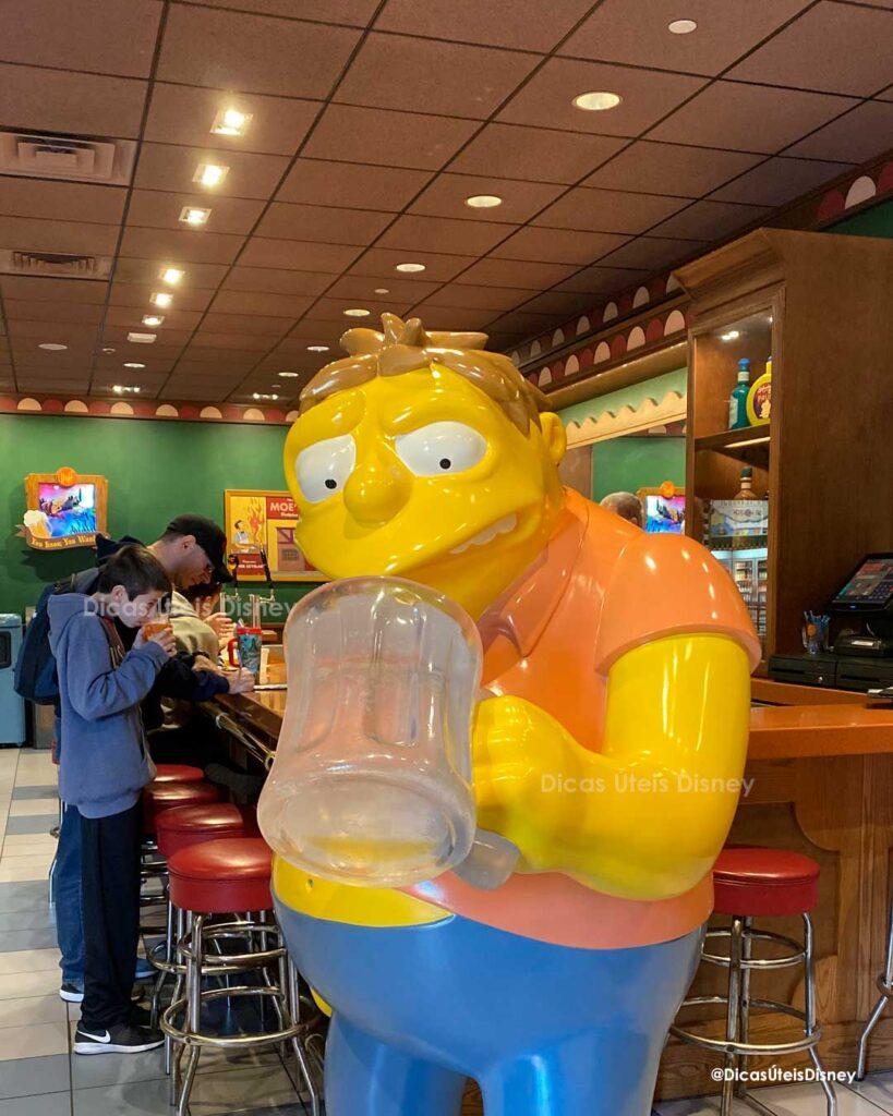 Como é a área dos Simpsons no parque Universal Studios Duff Beer Restaurantate