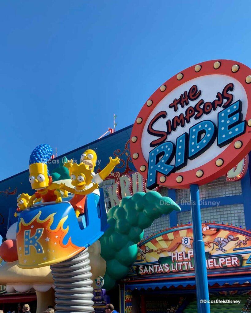 Como é a área dos Simpsons no parque Universal Studios the simpsons ride