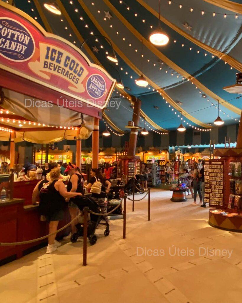 como-e-fantasyland-magic-kingdom-loja-big-top-souvenirs-dicas-uteis-disney