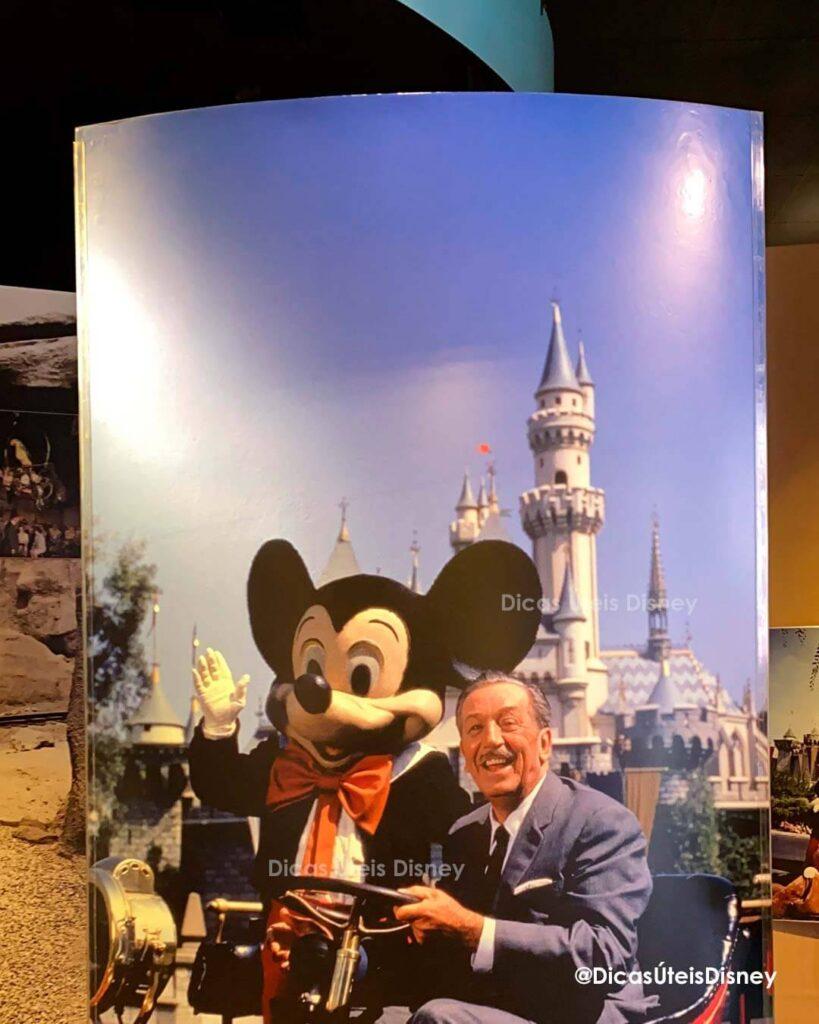 Como é a Animation Courtyard no Hollywood Studios Walt Disney Presentes Photo