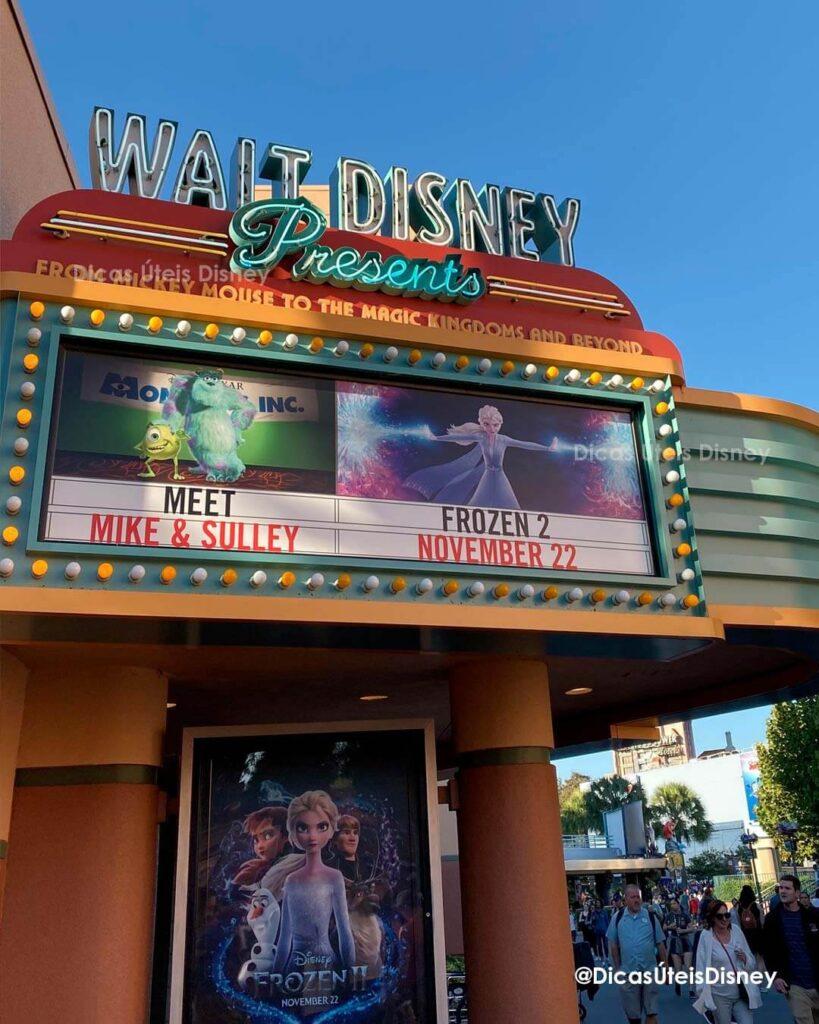 Como é a Animation Courtyard no Hollywood Studios Walt Disnwy Presents Entrada
