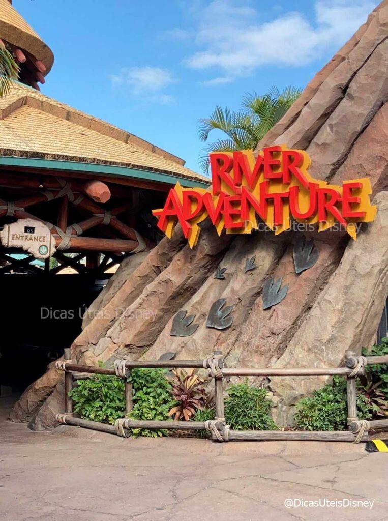 como-e-area-jurassic-park-islands-of-adventure-universal-studios-jurassic-rive-adventure-2-dicas-uteis-disney