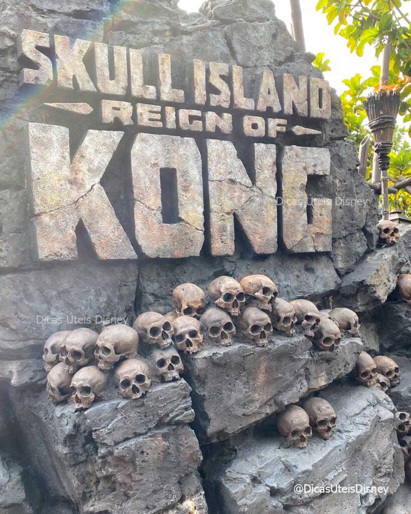 como-sao-areas-skull-islands-the-lost-continent-parque-islands-of-adventure-atracao-king-kong-dicas-uteis-disney