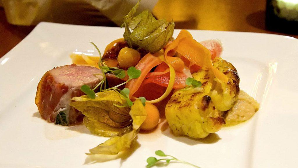 como-e-area-world-showcase-epcot-canada-restaurante-Le-Celier-Steakhouse-dicas-uteis-disney