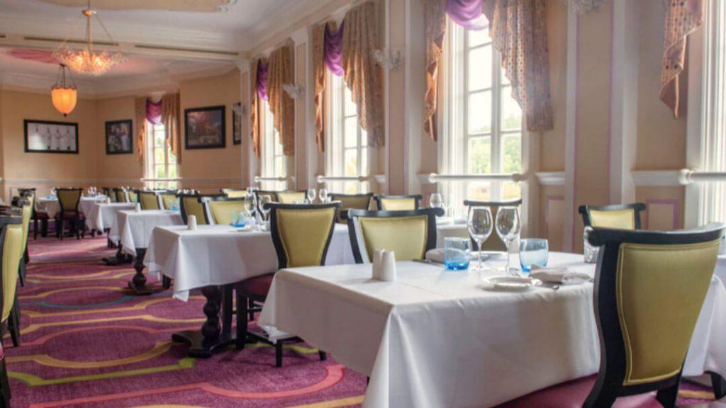 como-e-area-world-showcase-epcot-franca-restaurante-monssier-paul-dicas-uteis-disney